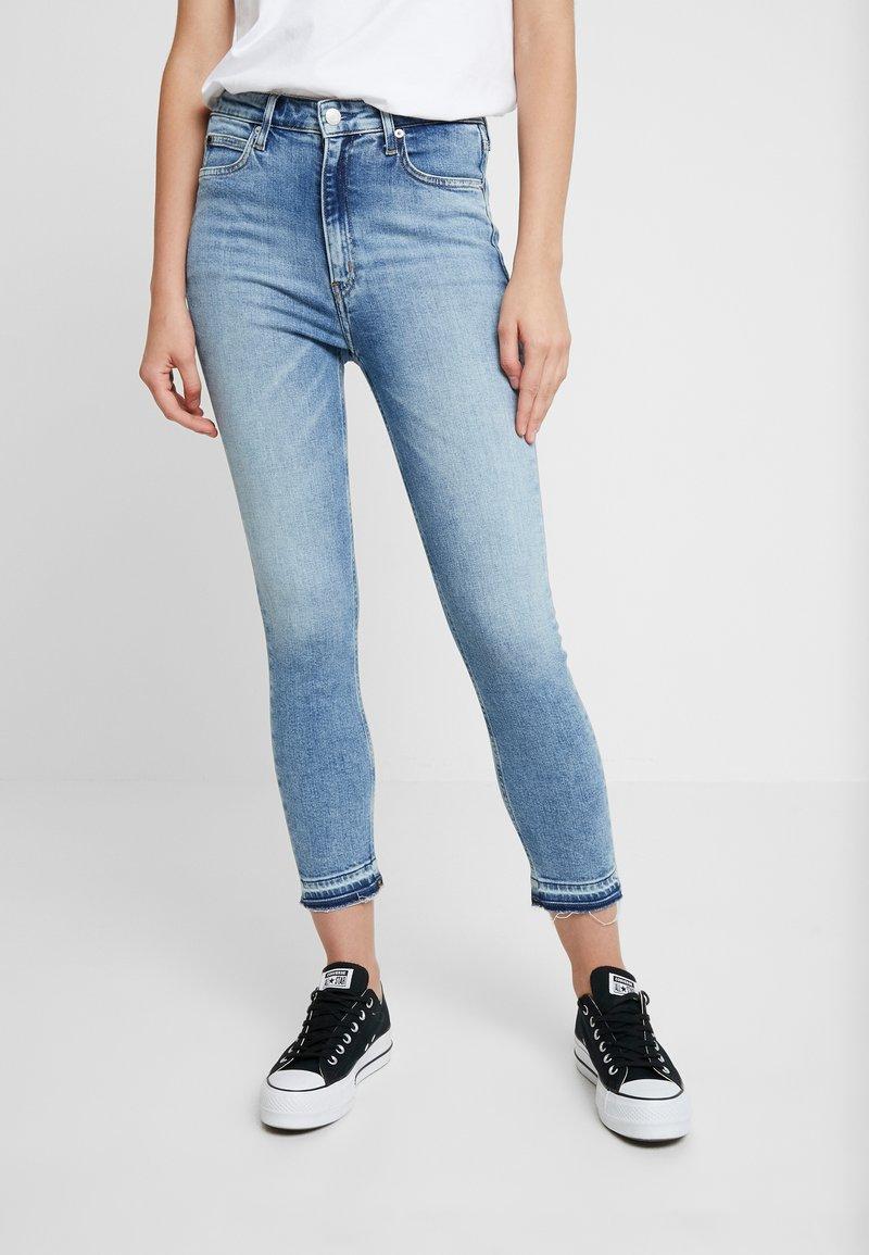 Calvin Klein Jeans - HIGH RISE CROP - Skinny džíny - bright blue released