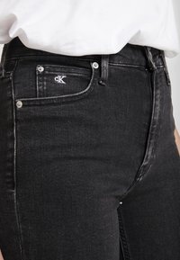 Calvin Klein Jeans - HIGH RISE - Jeans Skinny Fit - ca043 black - 3