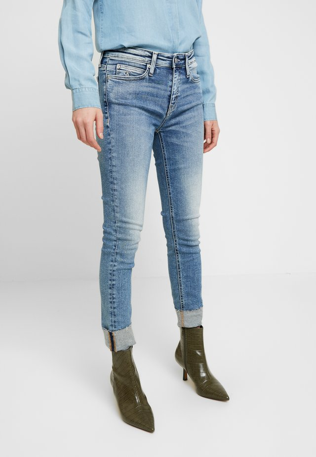 RISE ANKLE - Jeans Skinny Fit - mid blue