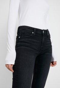 Calvin Klein Jeans - MID RISE SLIM - Jean slim - black - 3