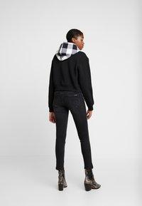 Calvin Klein Jeans - CKJ MID RISE SKINNY - Jeans Skinny Fit - black - 2