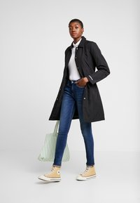 Calvin Klein Jeans - MID RISE SKINNY - Jeans Skinny Fit - blue dark - 1