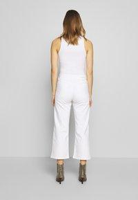 Calvin Klein Jeans - WIDE LEG - Široké džíny - white - 2