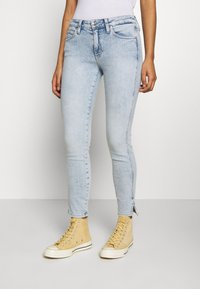 Calvin Klein Jeans - MID RISE SKINNY ANKLE - Jeans Skinny Fit - bleach blue - 0
