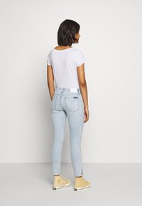 Calvin Klein Jeans - MID RISE SKINNY ANKLE - Jeans Skinny Fit - bleach blue - 2
