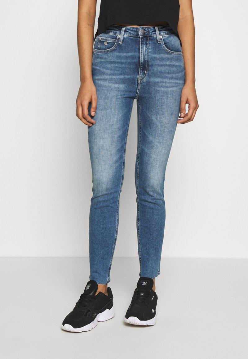 Calvin Klein Jeans - HIGH RISE SKINNY ANKLE - Skinny džíny - bright blue front