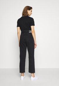 Calvin Klein Jeans - CK ONE DAD ANKLE - Relaxed fit jeans - black stone - 2