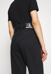 Calvin Klein Jeans - CK ONE DAD ANKLE - Relaxed fit jeans - black stone - 5