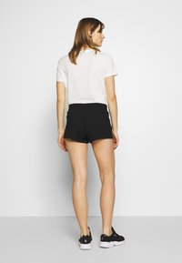 Calvin Klein Jeans - CK EMBROIDERY REGULAR SHORT - Shorts - black - 2