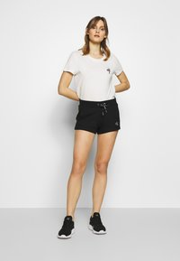 Calvin Klein Jeans - CK EMBROIDERY REGULAR SHORT - Shorts - black - 1