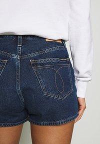 Calvin Klein Jeans - Jeans Shorts - dark blue stone shank - 6