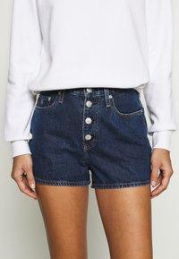 Calvin Klein Jeans - Jeans Shorts - dark blue stone shank - 4