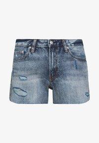 Calvin Klein Jeans - MID RISE SHORT - Jeans Shorts -  light blue - 4