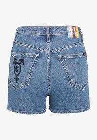 Calvin Klein Jeans - HIGH RISE  - Shorts di jeans - light blue - 1
