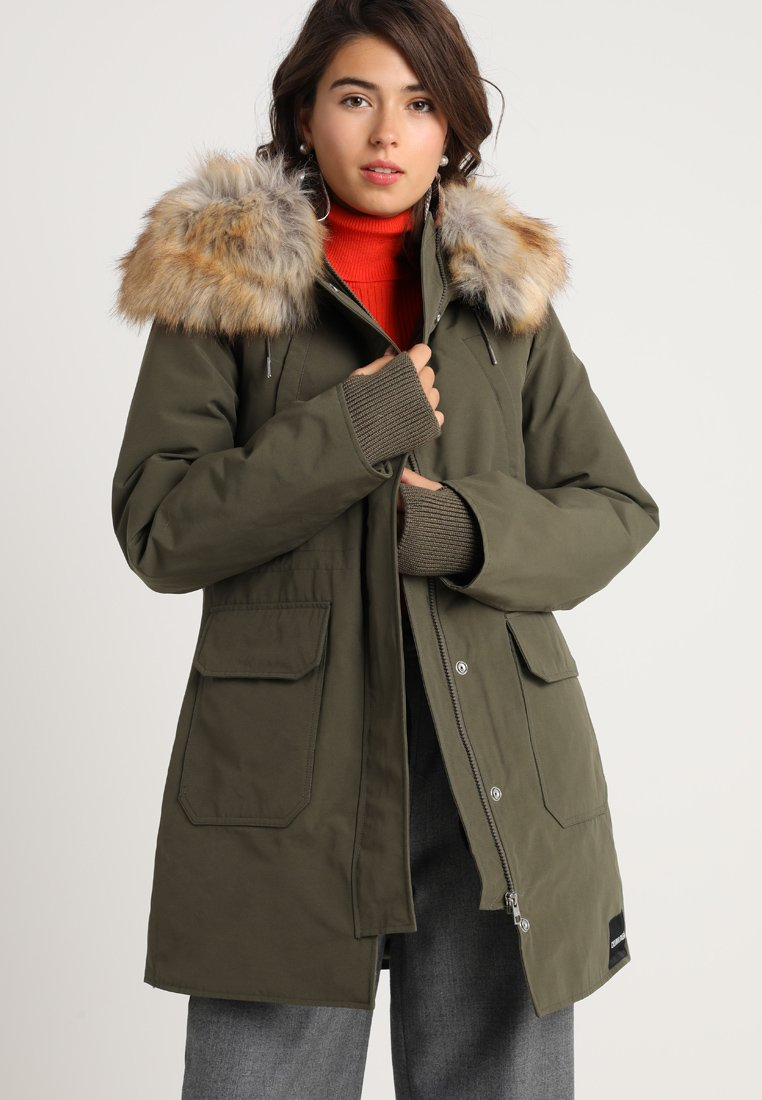 Calvin Klein Jeans - MID WEIGHT - Down coat - grape leaf
