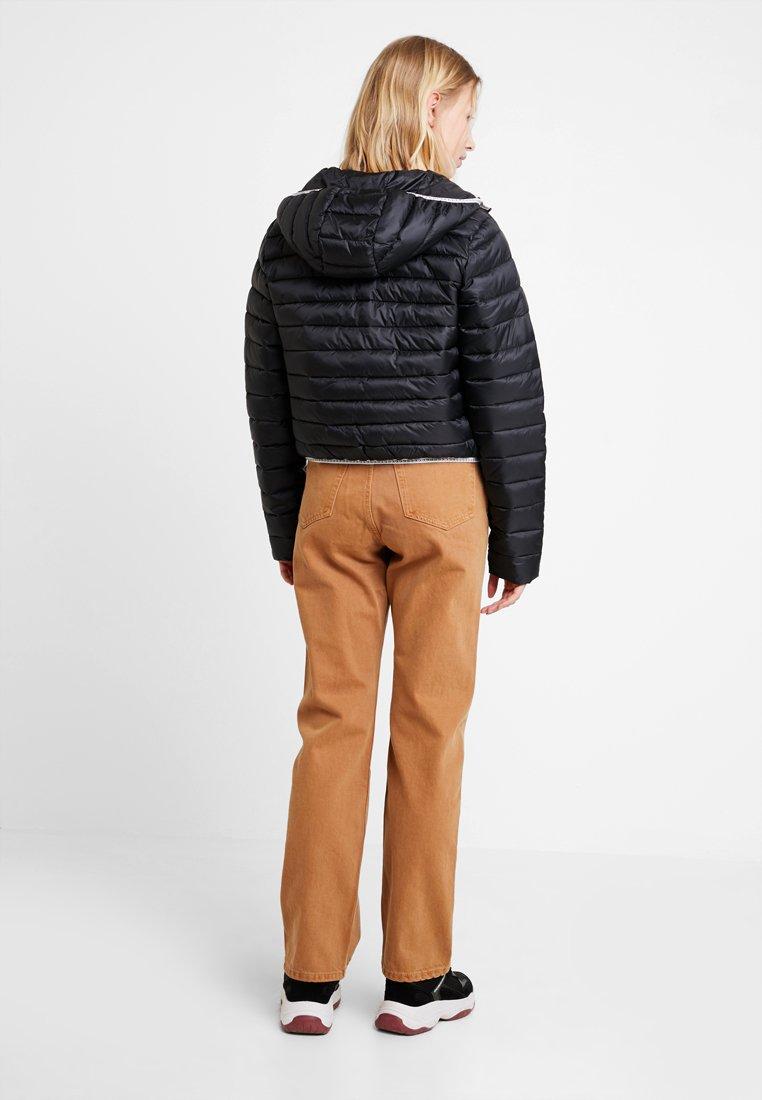 Calvin Logo Klein Black Padded With Mi Jeans Puffer saison BindingVeste H29YeWIED
