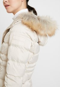 Calvin Klein Jeans - FITTED PUFFER - Doudoune - bleached sand - 5