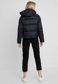 Calvin Klein Jeans - MONOGRAM TAPE PUFFER - Veste d'hiver - black - 2