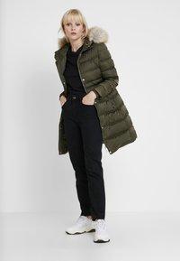 Calvin Klein Jeans - LONG PUFFER - Piumino - grape leaf - 1
