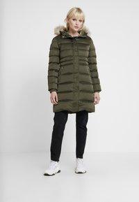 Calvin Klein Jeans - LONG PUFFER - Piumino - grape leaf - 0