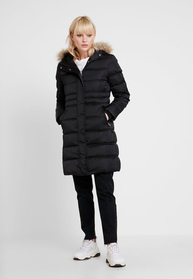 Calvin Klein Jeans - LONG PUFFER - Daunenmantel - black