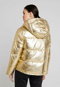 Calvin Klein Jeans - PUFFER JACKET - Vinterjakke - gold - 2