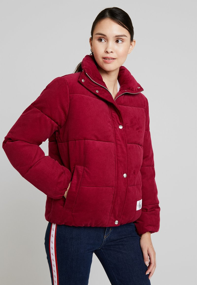 Calvin Klein Jeans - PUFFER JACKET - Winter jacket - beet red
