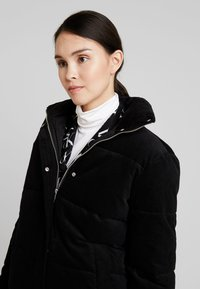 Calvin Klein Jeans - PUFFER JACKET - Vinterjakke - black - 3