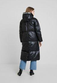 Calvin Klein Jeans - LONG PUFFER - Dunkåpe / -frakk - black - 2