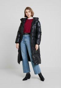 Calvin Klein Jeans - LONG PUFFER - Dunkåpe / -frakk - black - 1