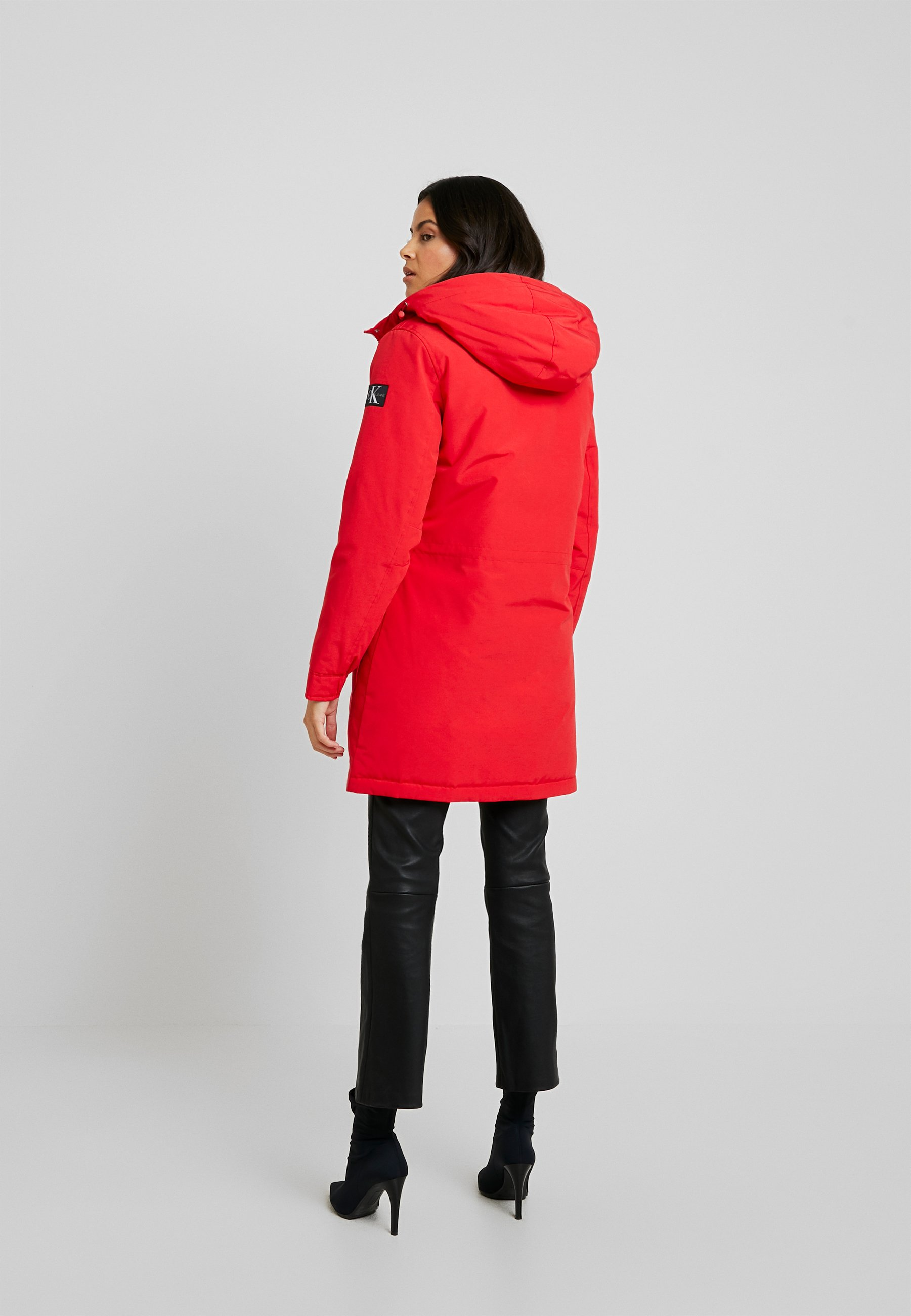 Calvin Klein Jeans GERMANY SPECIAL PARKA - Płaszcz puchowy - racing red