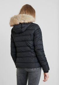 Calvin Klein Jeans - SHORT FITTED PUFFER - Veste mi-saison - black - 2