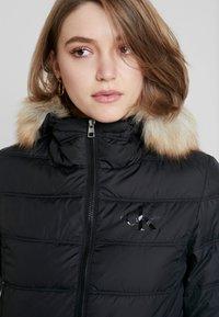 Calvin Klein Jeans - SHORT FITTED PUFFER - Veste mi-saison - black - 5