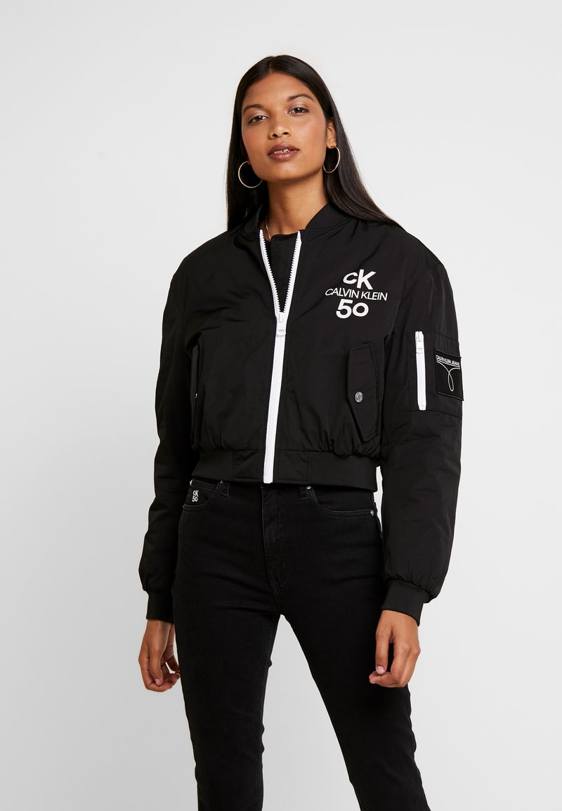 Calvin Klein Jeans - LOGO CROPPED JACKET - Bomber Jacket - black beauty/bright white print