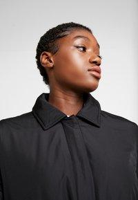 Calvin Klein Jeans - LIGHT PADDED CARCOAT - Krátký kabát - black - 3
