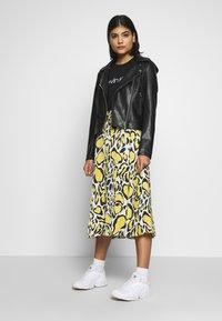 Calvin Klein Jeans - HOODED JACKET - Veste en similicuir - black - 1
