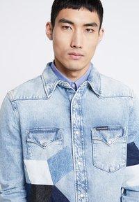 Calvin Klein Jeans - FOUNDATION WESTERN - Camicia - light-blue denim - 3