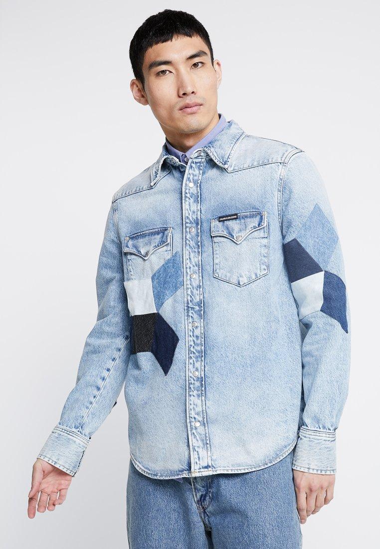 Calvin Klein Jeans - FOUNDATION WESTERN - Camicia - light-blue denim