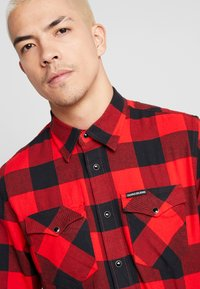 Calvin Klein Jeans - WESTERNCHECK SHIRT REGULAR FIT - Košile - racing red/black - 4