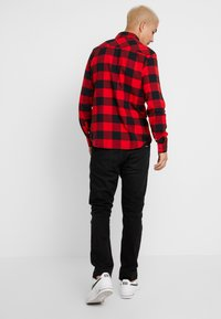 Calvin Klein Jeans - WESTERNCHECK SHIRT REGULAR FIT - Košile - racing red/black - 2
