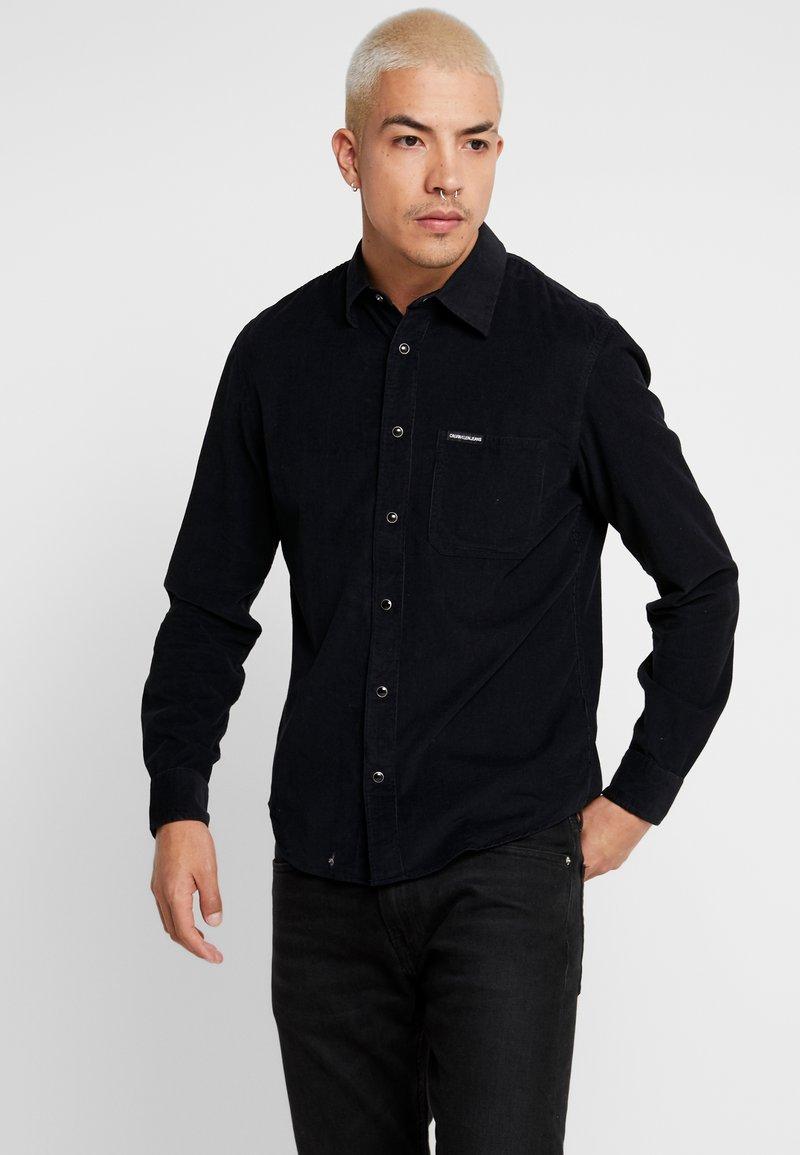 Calvin Klein Jeans - REGULAR FIT - Skjorter - black