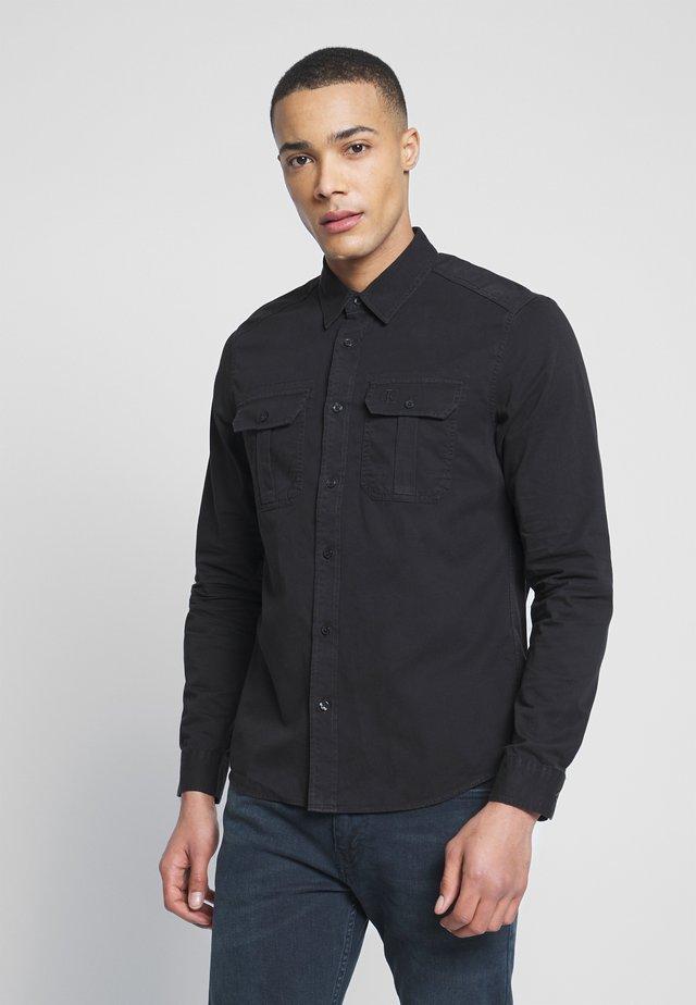 TWILL UTILITY REG SHIRT - Overhemd - black