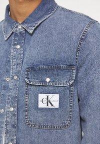 Calvin Klein Jeans - ARCHIVE REGULAR  - Chemise - mid blue - 6