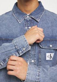 Calvin Klein Jeans - ARCHIVE REGULAR  - Chemise - mid blue - 4