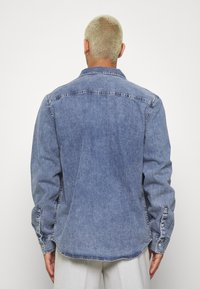 Calvin Klein Jeans - ARCHIVE REGULAR  - Chemise - mid blue - 2