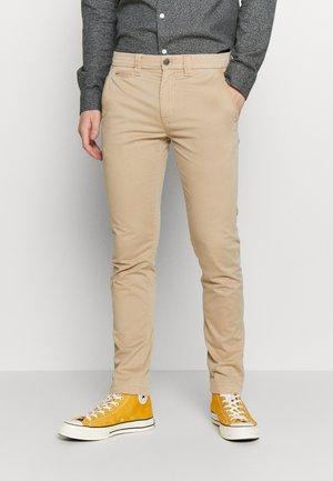 SKINNY WASHED STRETCH - Pantalon classique - travertine
