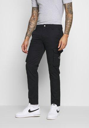 SKINNY PANT - Pantalon cargo - black