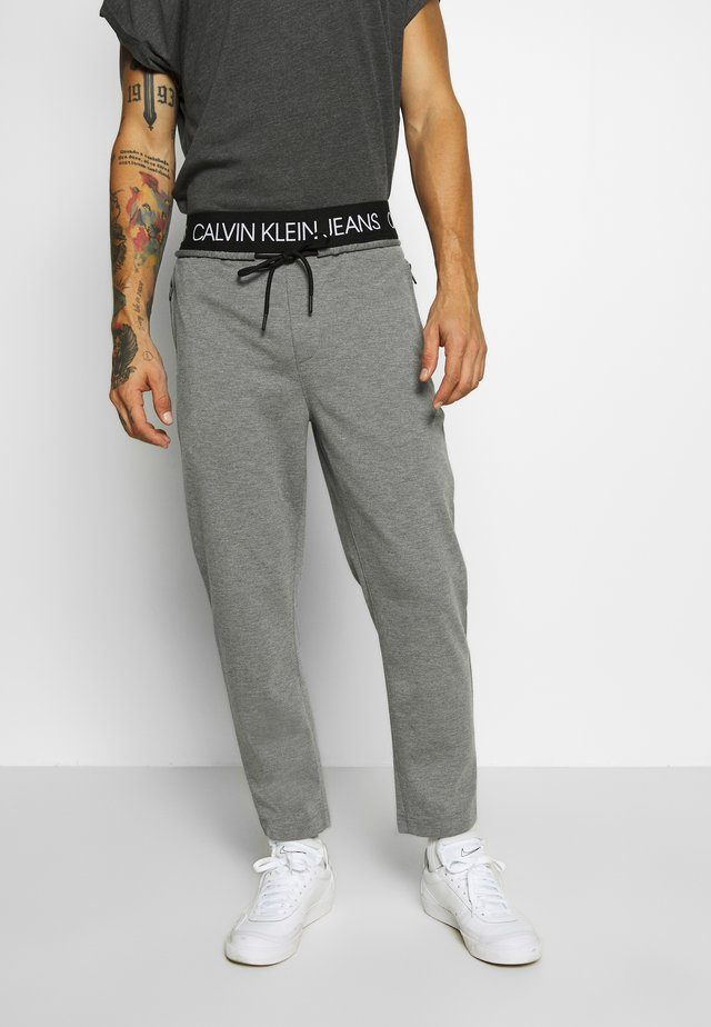 EXPOSED WAISTBAND MILANO PANT - Pantalon de survêtement - mid grey heather