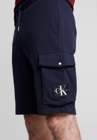 Calvin Klein Jeans - MONOGRAM PATCH SHORT - Shorts - night sky - 5