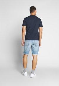 Calvin Klein Jeans - REGULAR SHORT - Denim shorts -  light blue - 2